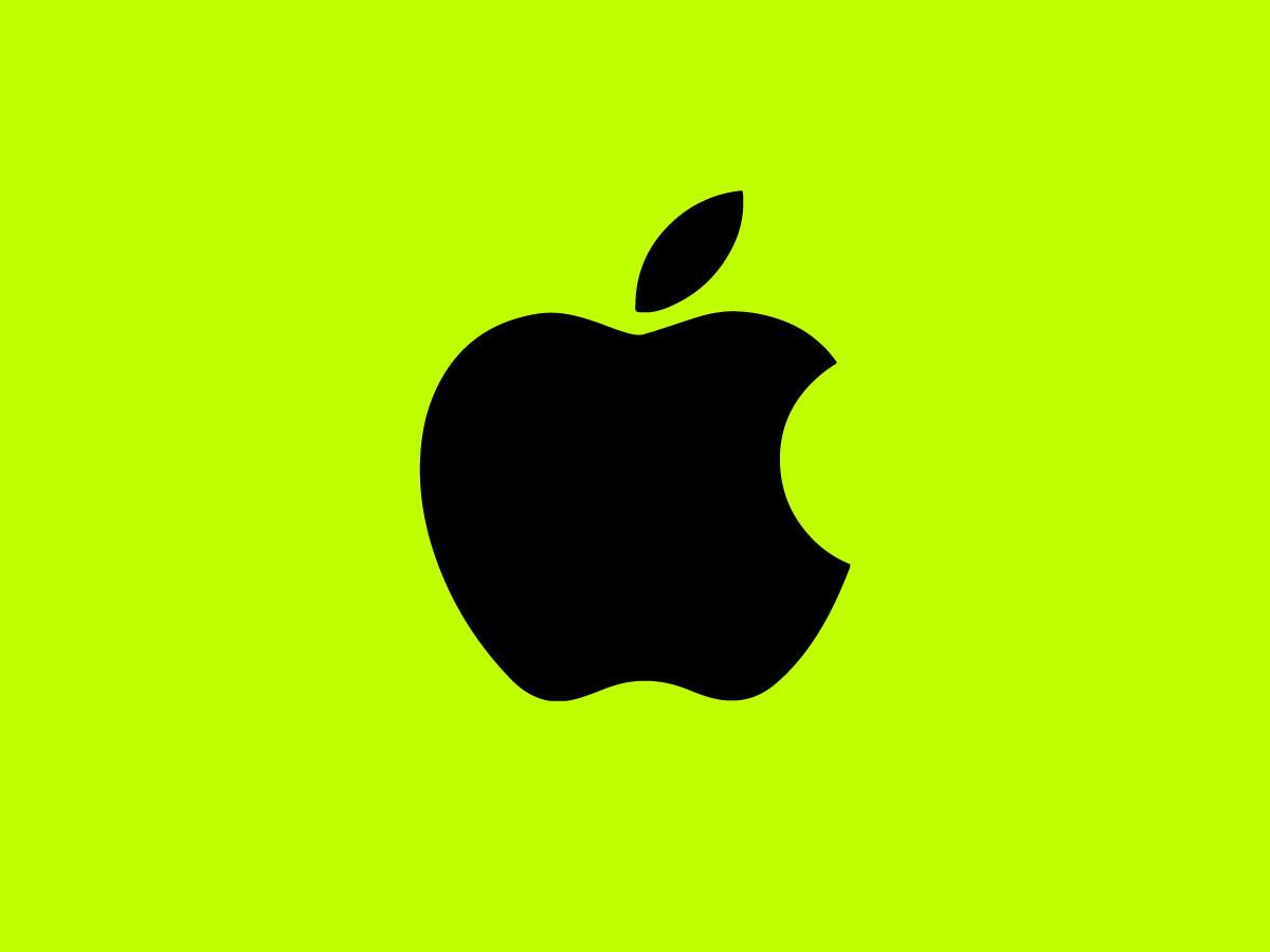 Apple vs email marketing